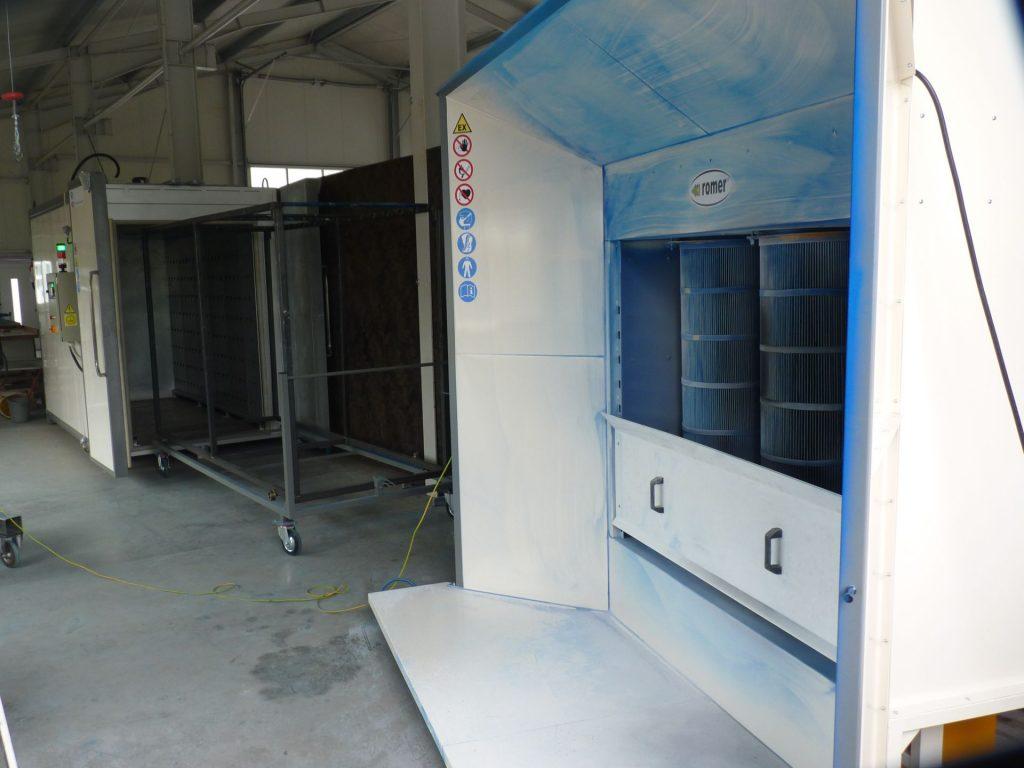 Pulverbeschichtungsanlage mit Gerätewagen